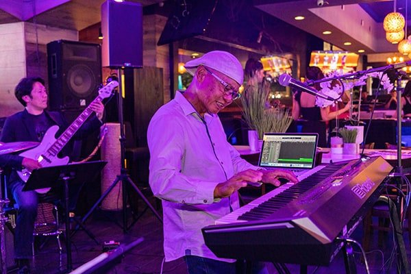 Black and Blue - Live Band Keyboardist playing keyboard